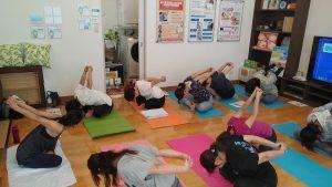 体の硬い人向けヨガ教室沖縄ガス