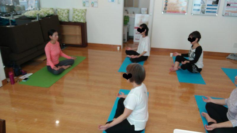 沖縄ガスで開催された瞑想ヨガ教室
