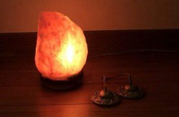 ヨガニドラ 岩塩ランプ